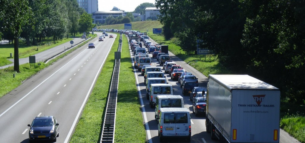 Traffic_congestion_at_A325