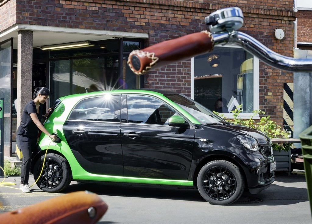 smart-forfour_electric_drive-2017-1024-07