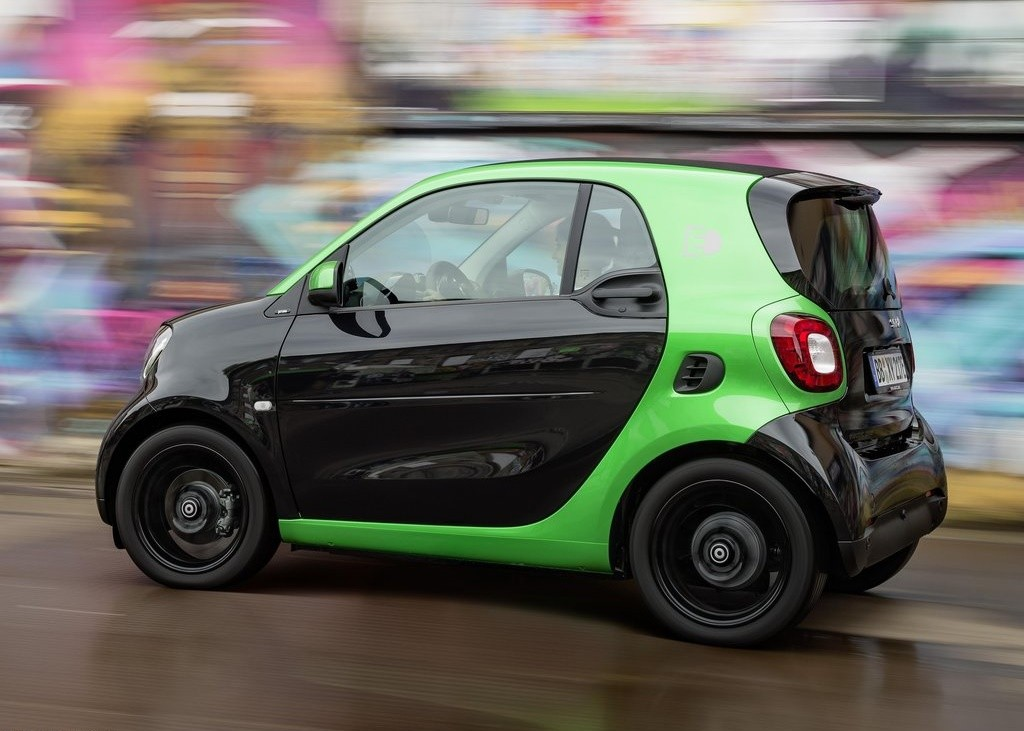 smart-fortwo_electric_drive-2017-1024-16